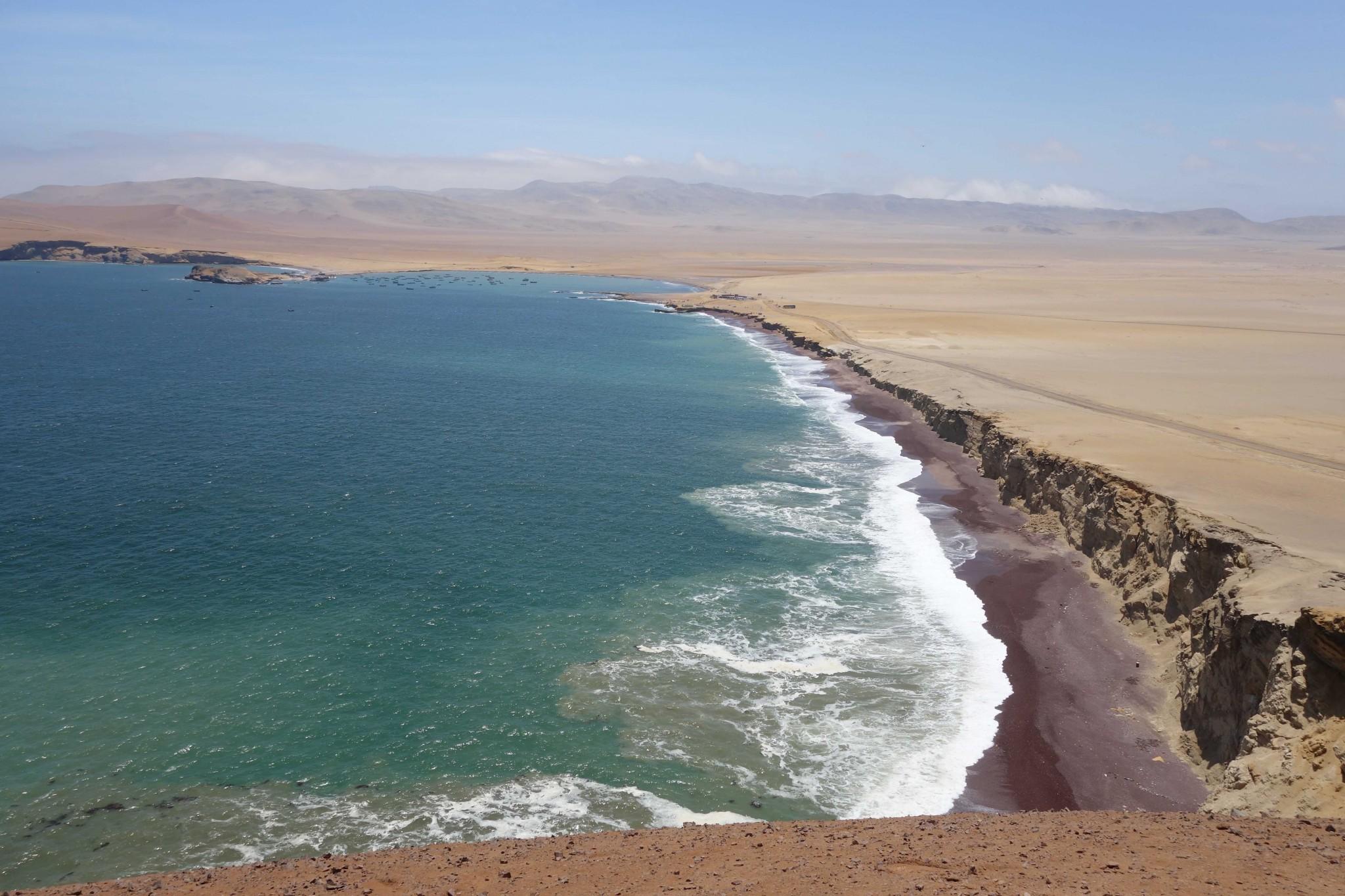 paracas_nationalpark_roterstrand_vonoben