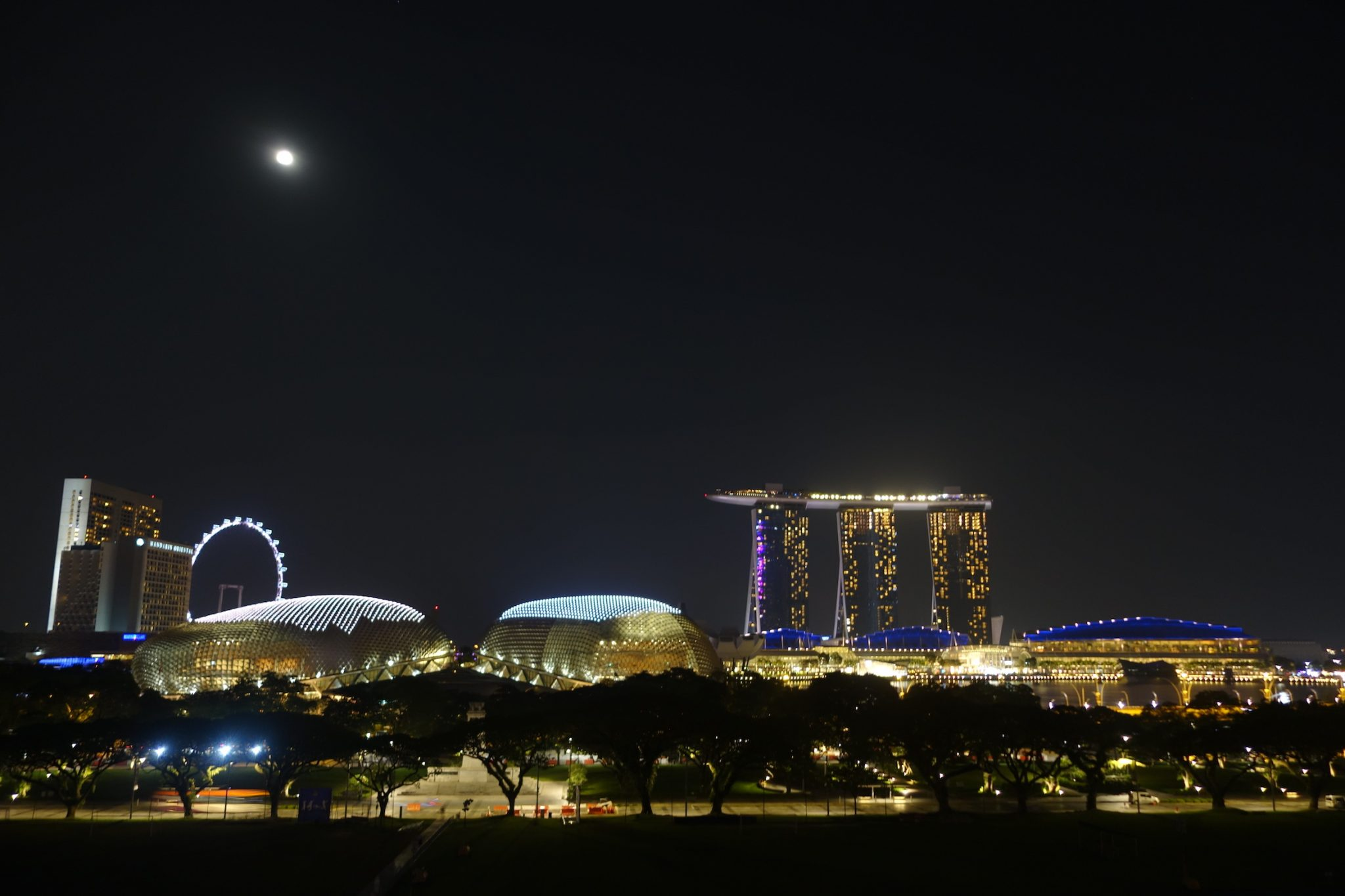 Singapur_CBD_MarinaBay_SkyBar_NationalGallery_1_Aussicht