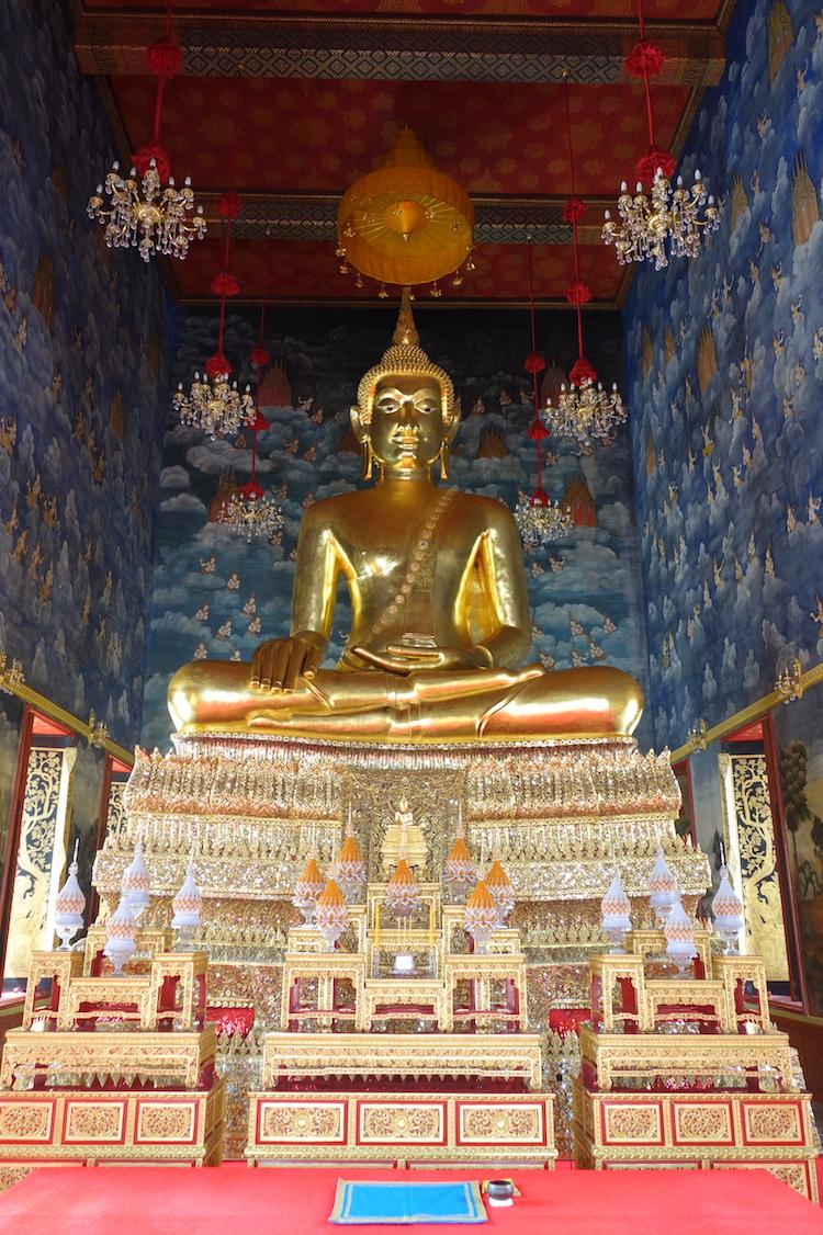 Bangkok_Stop14_Tempel_WatThewaratKunchornWorawiharn_6_GoldenerBuddha