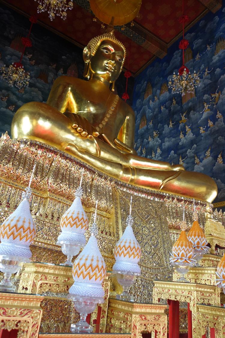 Bangkok_Stop14_Tempel_WatThewaratKunchornWorawiharn_7_GoldenerBuddha